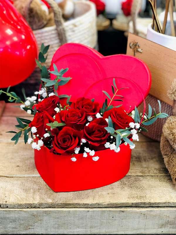 Roses en coeur 7 roses